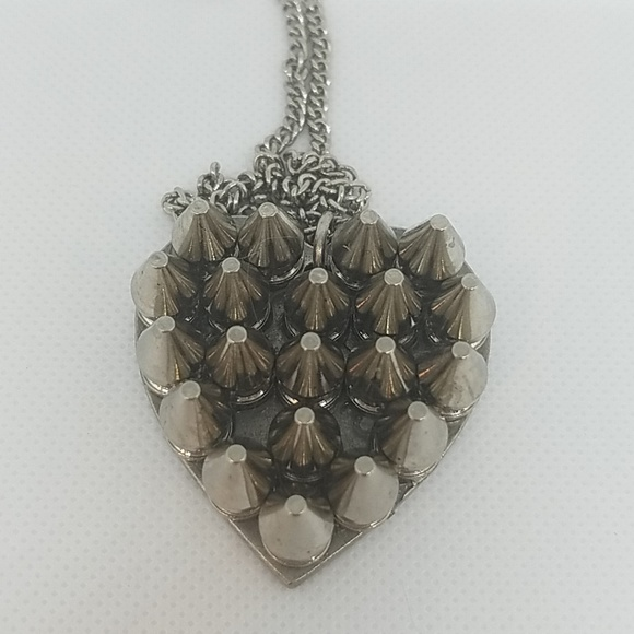 GASOLINE GLAMOUR Jewelry - Silver tone spike heart necklace small new